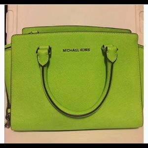 Michael Kors Lime handbag